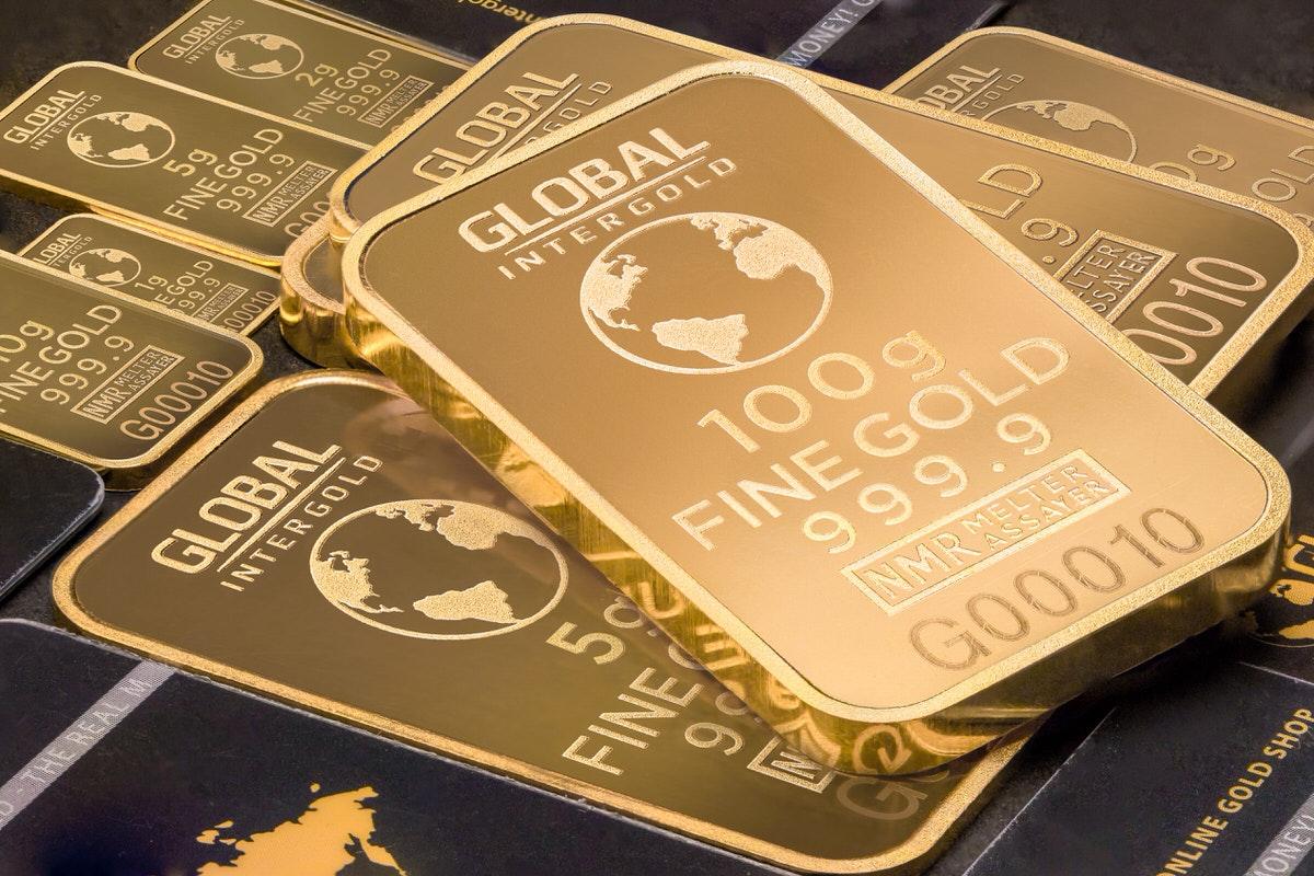 米国で人気の金ETF4本を比較【GLD/IAU/GLDM/SGOL】