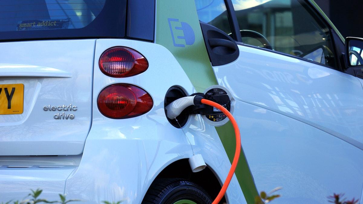 進め!電気自動車⚡EV関連ETF比較【DRIV/IDRV/HAIL】おすすめ米国ETF